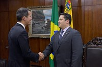 Juan Guaidó visita presidente do Senado Federal