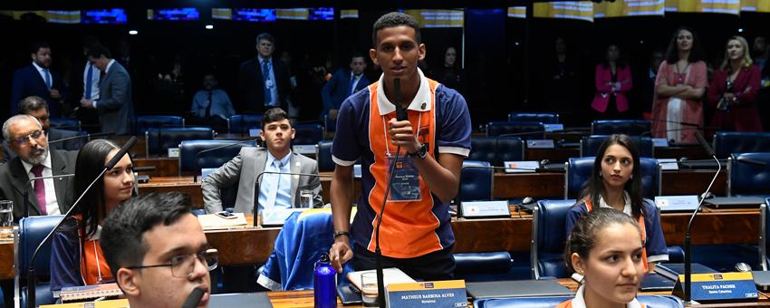 Estudante de Roraima vive experiência de ser senador por uma semana
