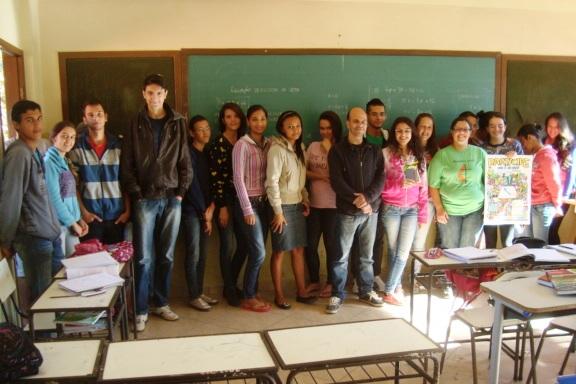 Professor João Ernani e seus alunos