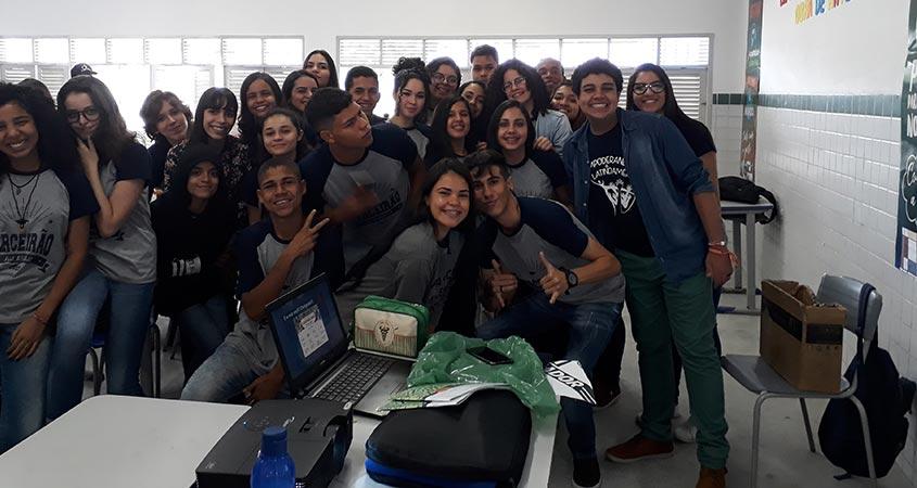 Alunos da Escola Cidadã Integral Félix Araújo de Campina Grande-PB