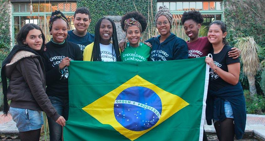 Pedro com alunas do Curso Empoderando a Latinoamérica no México