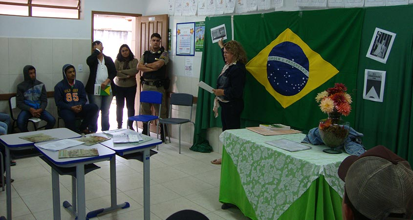 Palestra sobre os 30 anos da Constituição Cidadã mobiliza alunos do ensino médio da Escola Estadual São Pedro do Glória