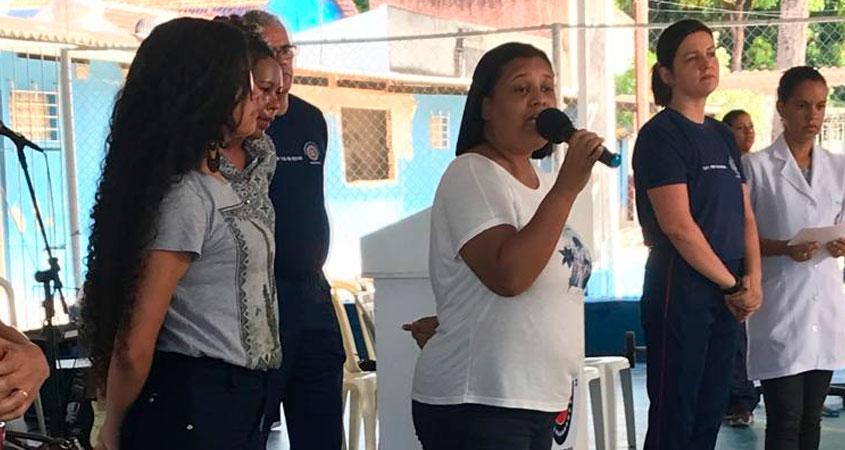 Professora Juliana de Paula, orientadora da Jovem Senadora Júlia Leone, pelo estado de Pernambuco.