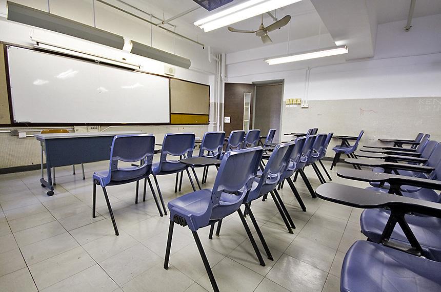 A pandemia deixou salas de aula vazias: ensino em muitos casos não foi substituído pelo modelo a distância