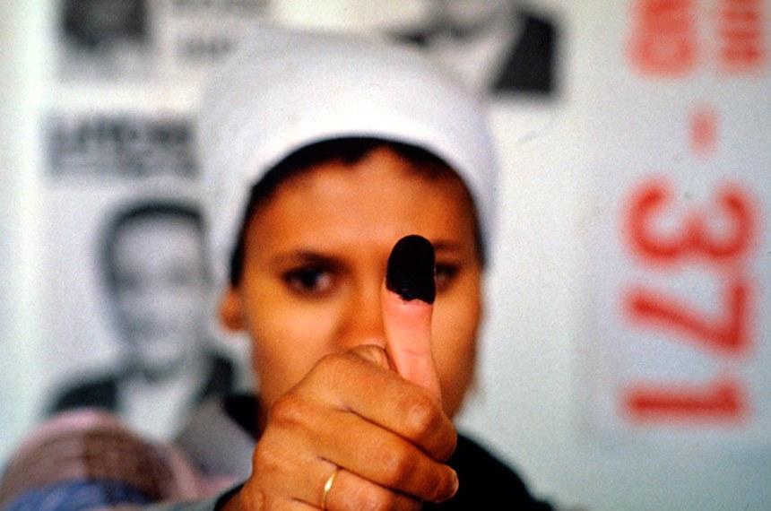 Por 100 anos, analfabeto foi proibido de votar no Brasil