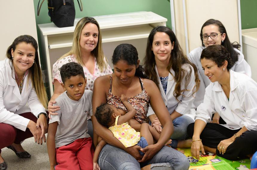 Crianças com microcefalia têm atendimento especializado