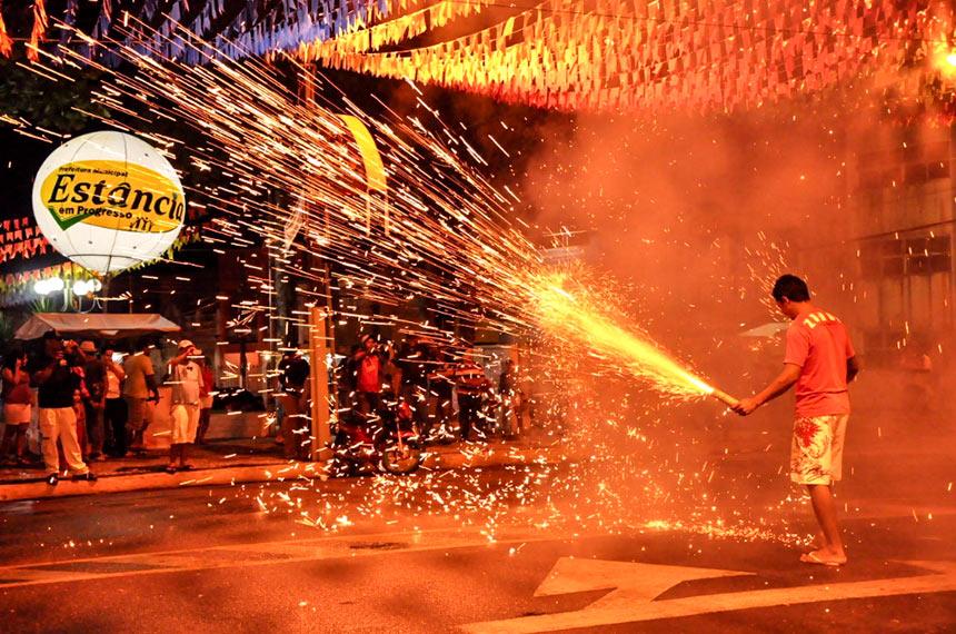 Junho aumenta riscos de acidente com fogos e balões