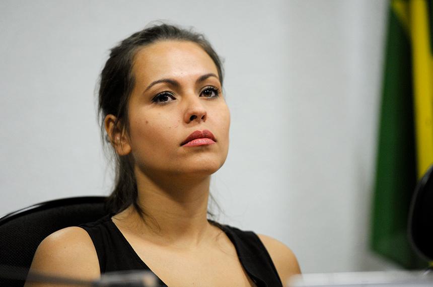 Nana Queiroz relata precariedade de acesso a itens de higiene por pessoas encarceradas - Foto: José Cruz/Agência Senado