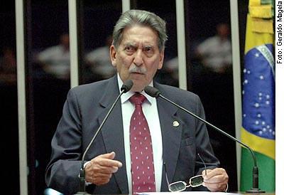 [Foto: senador Epitácio Cafeteira ]
