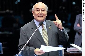 [Foto: senador Flexa Ribeiro (PSDB-PA)]