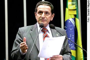 [Foto: senador Mozarildo Cavalcanti (PTB-RR)]