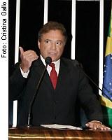 [Foto: senador Alvaro Dias (PSDB-PR)]