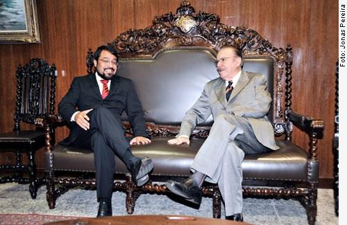[Governador eleito do Amapá, Camilo Capiberibe, filho de João Capiberibe, visita o presidente do Senado, José Sarney em 17/11/2010.]