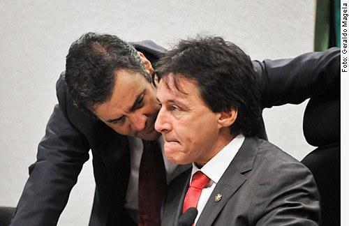 [Senadores Aécio Neves (PSDB_MG) e Eunício Oliveira (PMDB-CE)]