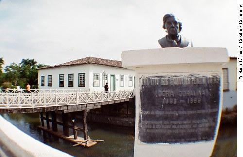 Cora Coralina: a mulher da casa da ponte — Senado Federal - Portal ...
