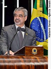 [senador Humberto Costa (PT-PE)]