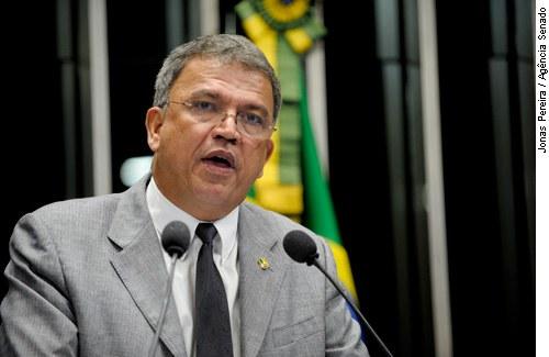 [senador Sérgio Petecão ]