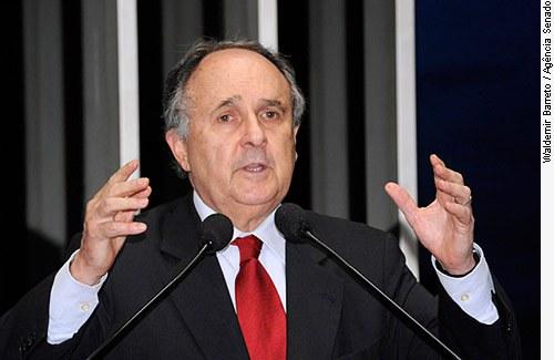 Senador Cristovam Buarque deve assumir Ministério da Cultura