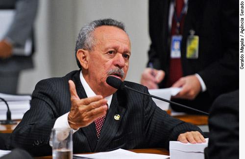 Senador Benedito de Lira (PP-AL)