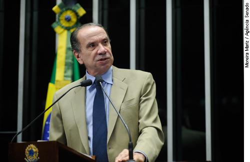 Aloysio Nunes pede medidas contra uso da internet para difamar políticos