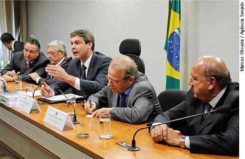 Com a participação de governadores, a CAE debateu em abril a questão das dívidas estaduais