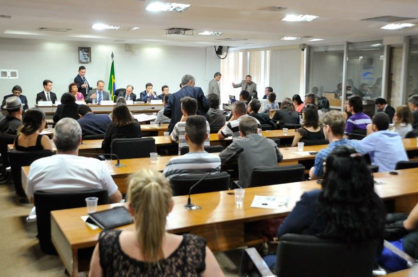 A CDH realizou a quinta audiência para discutir a liberação do uso da maconha
