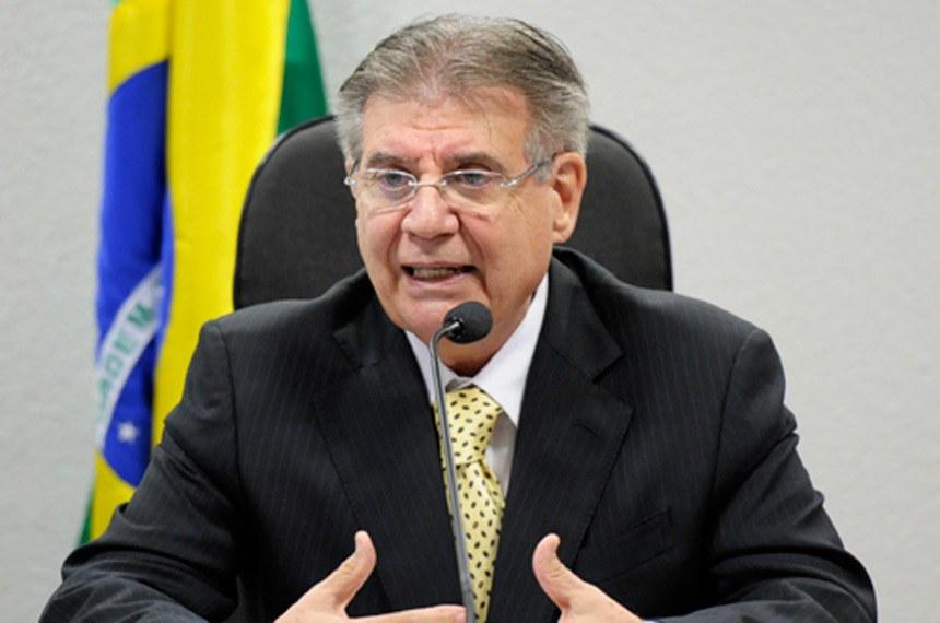 Senador Cyro Miranda, autor da proposta