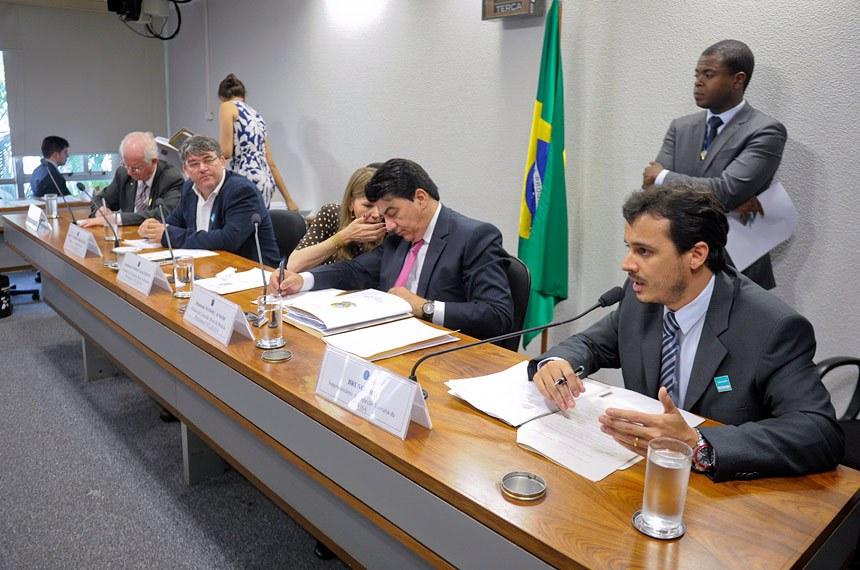 Bruno Rios, da Anvisa, apoio flexibilização promovida pela MP 653