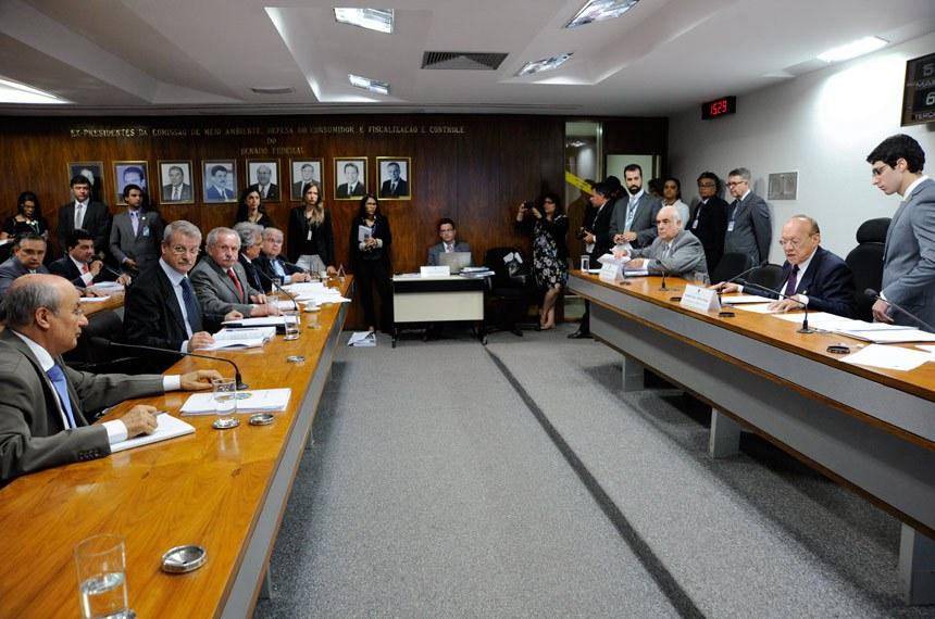 Reunião a comissão mista que aprovou a MP 632, que autoriza a licença classista para servidores federais