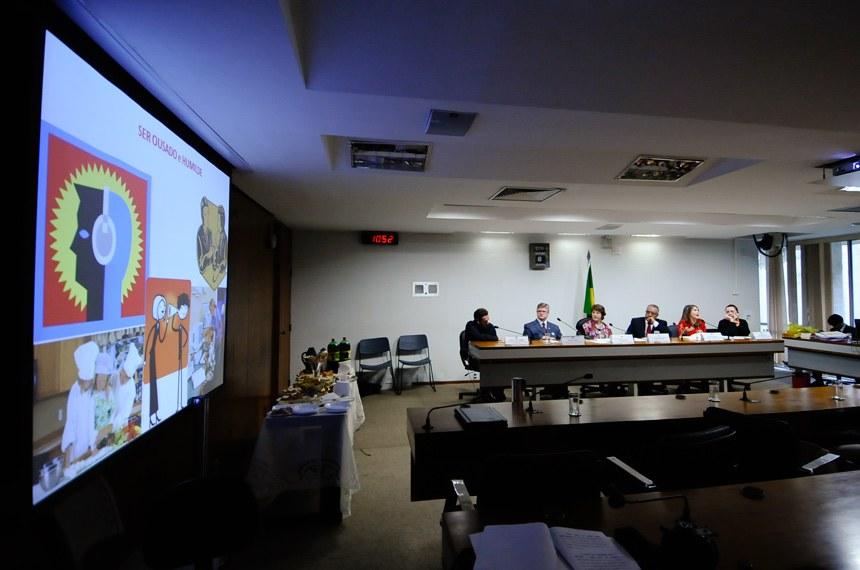 Debate sobre transtornos mentais e ensino para pessoas com deficiência abre Semana de Direitos Humanos