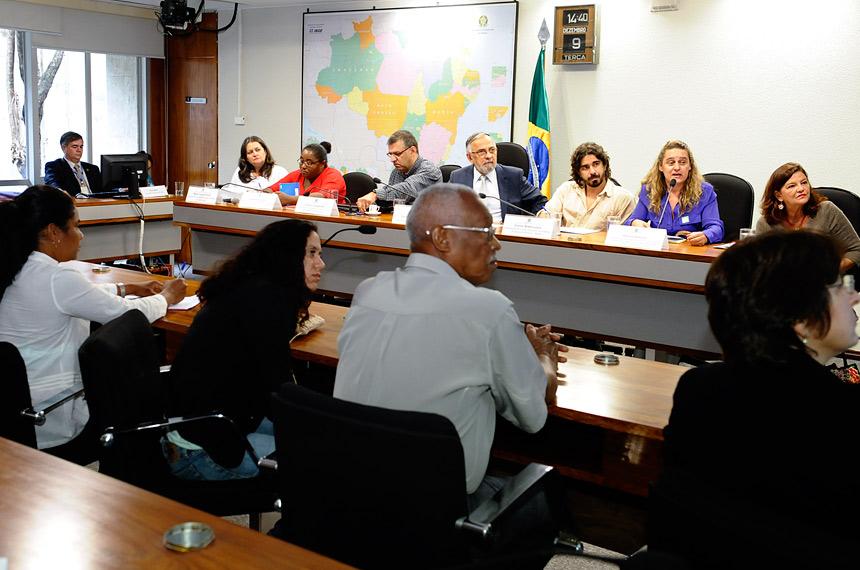 Debatedores apontam riscos do uso da água na mineração - Agência Senado