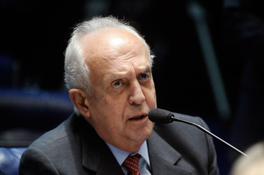 Jarbas Vasconcelos, autor da proposta