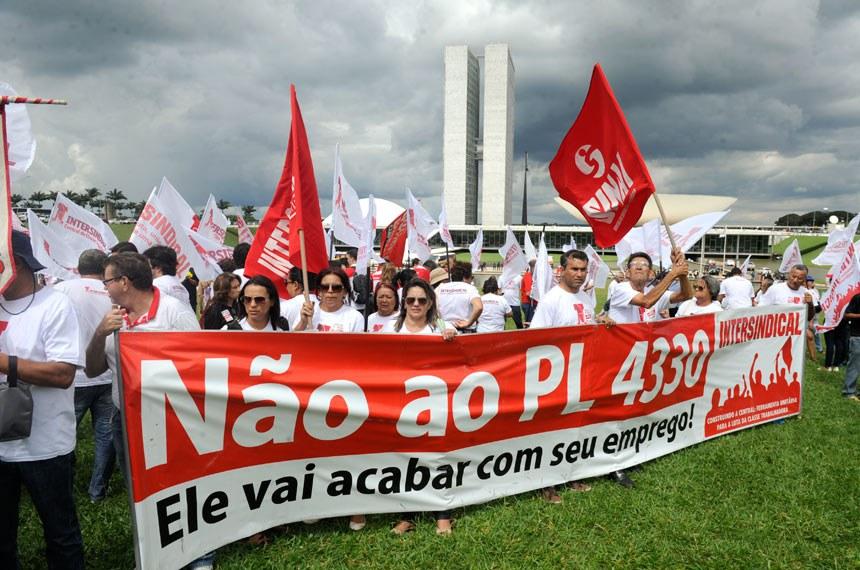 Na última quarta-feira (7) uma manifestação contrária ao projeto foi empreendida em frente ao Palácio do Congresso Nacional
