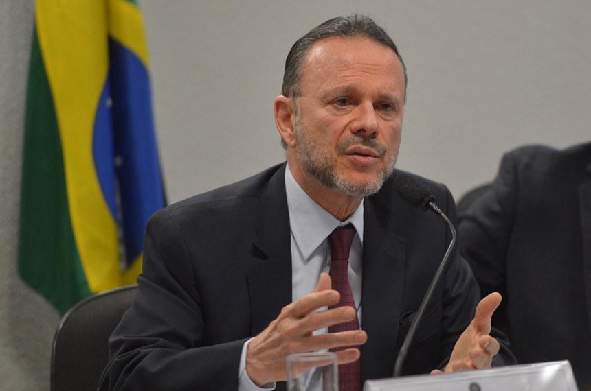Luciano Coutinho deverá ser questionado sobre os empréstimos do BNDES à Sete Brasil