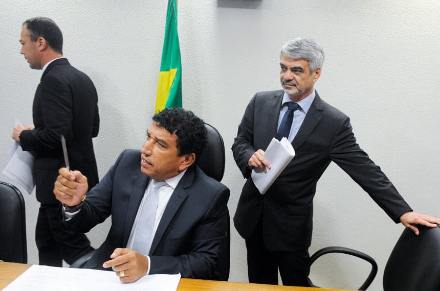 Senadores Magno Malta (PR-ES) e Humberto Costa (PT-PE), respectivamente presidente e relator da CPI das Próteses