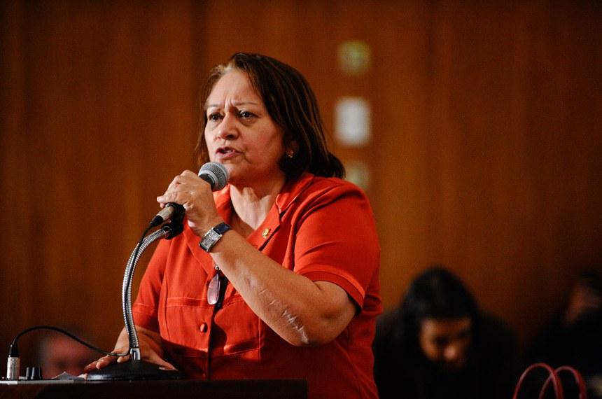 Fátima Bezerra (PT-RN) conclamou todas as centrais sindicais e movimentos sociais a se unirem contra a proposta