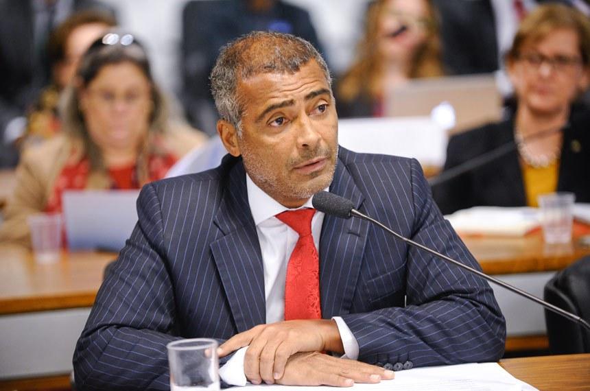 Para Romário (PSB-RJ) é necessário mais respeito, mais consideração, menos preconceito e mais possibilidade para os servidores que tenham parentes com deficiência
