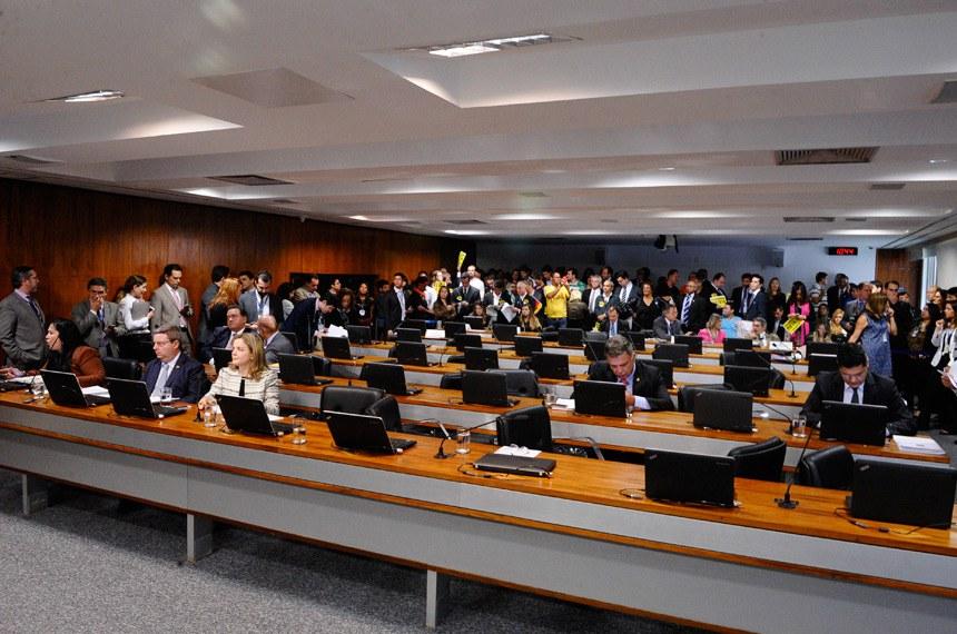 20/05/2015 - reajuste para servidores do Judiciário 78,56%