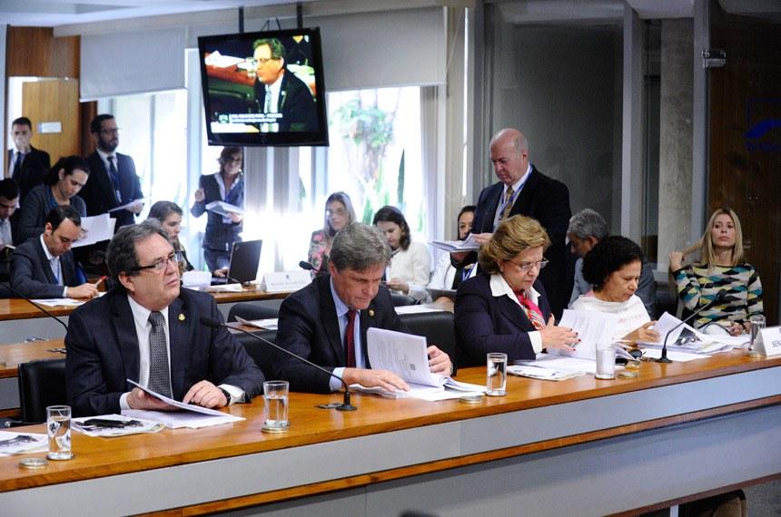 Waldemir Moka (à esquerda) foi relator do projeto na CAS