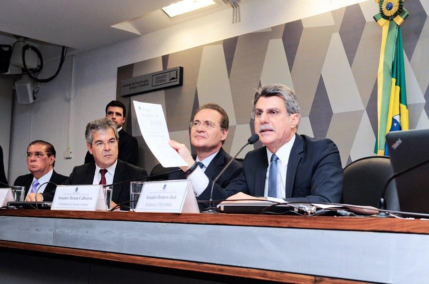 Presidente Renan Calheiros participa de reunião da Comissão de Reforma Política na terça-feira (30) com os senadores Jader Barbalho (E), Jorge Viana e Romero Jucá