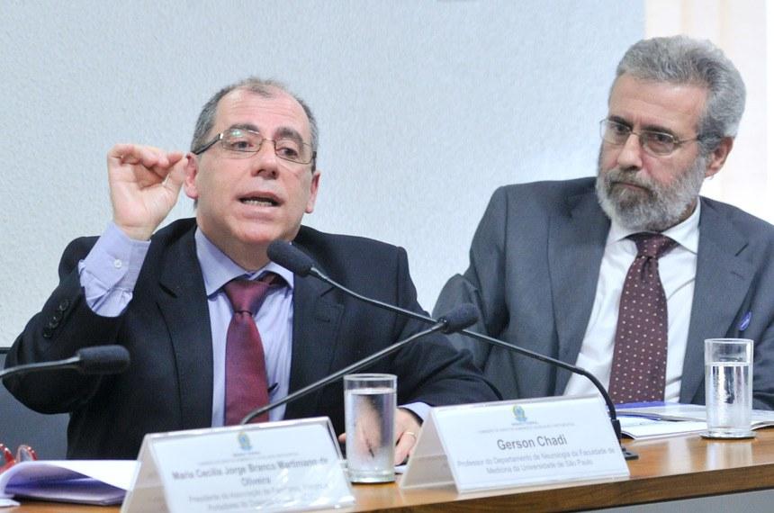 Gerson Chadi, pesquisador da Faculdade de Medicina  da USP, encabeça o projeto Projeto ELA Brasil