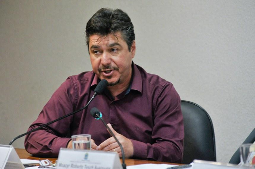 """Rafael Marques, da CUT, criticou algumas emendas apresentadas por parlamentares, que """"puxam para a redução da jornada a qualquer momento e sem critério"""""""