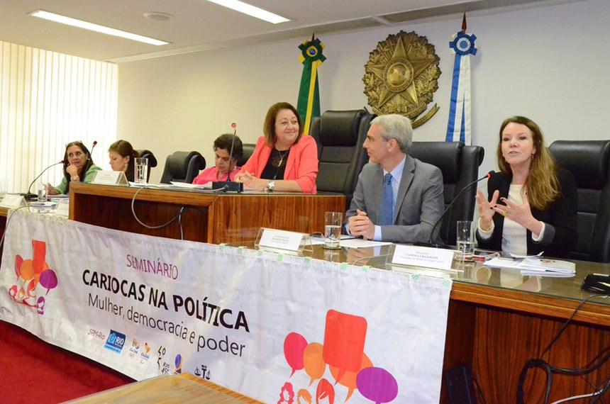 Vanessa Grazziotin (D) acredita que mudança servirá para amadurecimento da democracia