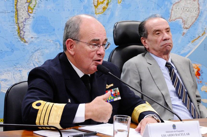 31/08/2015 - Comandante da Marinha aponta programa nuclear e construção de submarinos como prioridades