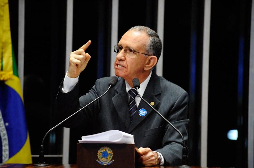 """O diretor-geral da Santa Casa de Porto Alegre, Júlio Flávio Dornelles de Matos: """"Somos muito importantes para o país e a população"""""""