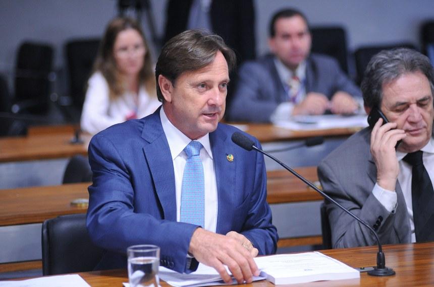 Acir Gurgacz, relator da proposta: apenas um terço dos imóveis foram cadastrados até o momento