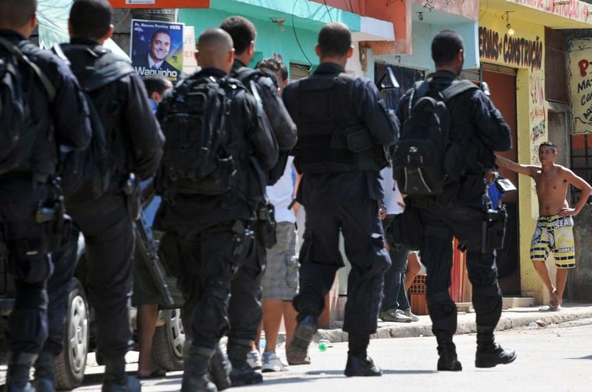 Ação do Bope em favela do Rio: PEC que inclui a segurança pública entre as obrigações de competência comum entre a União, estados, DF e municípios está na pauta de votações