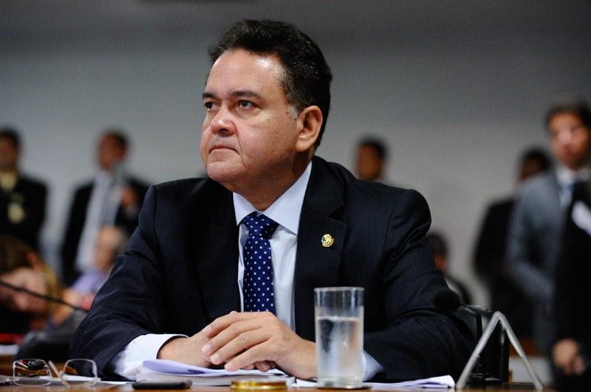"""""""Minha proposta é para ajudar a tirar o Maranhão da situação de estado mais pobre do país"""", afirma Roberto Rocha"""