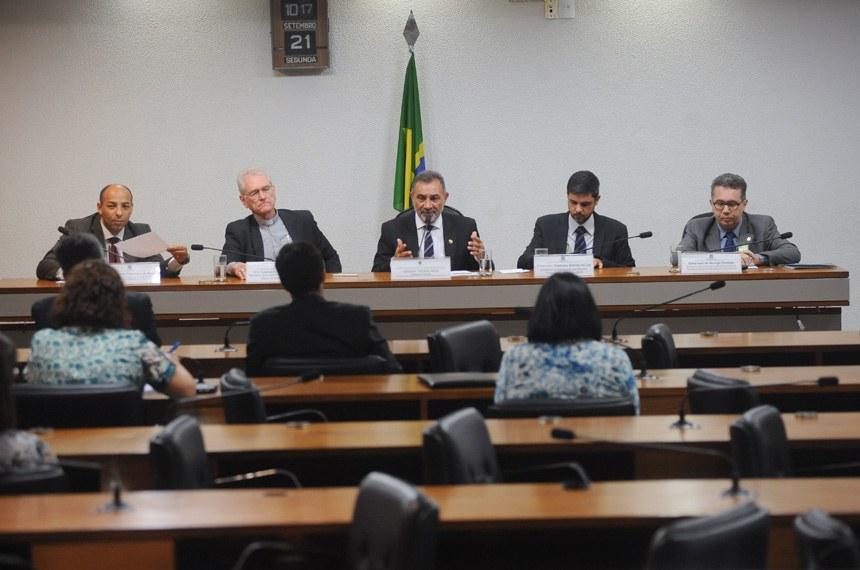 Debate na CDH discutiu a situação previdenciária dos ministros religiosos idosos