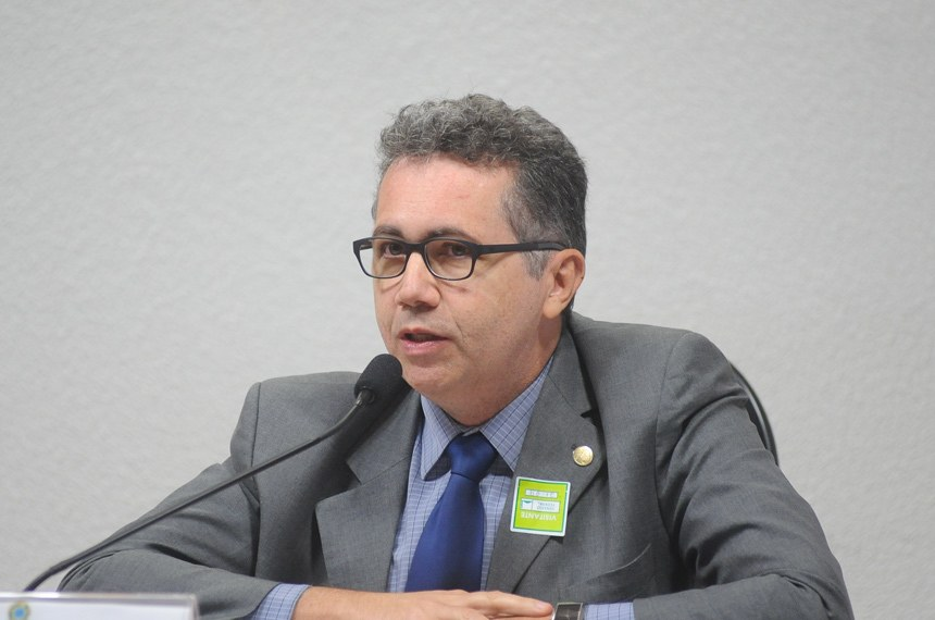 Representante do governo, Emanuel de Araújo Dantas disse que religiosos têm duas opções para contribuir